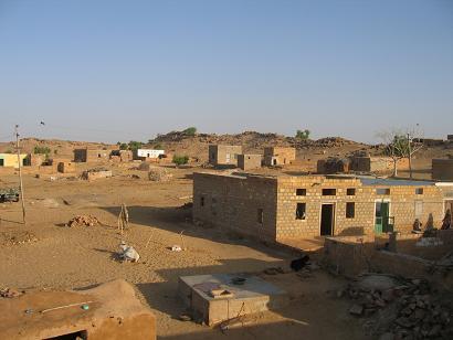 砂漠の村.jpg